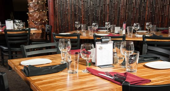 Palms Brazilian Steakhouse tabletop and flatware